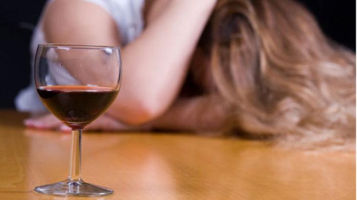 Как лечить женский алкоголизм? фото