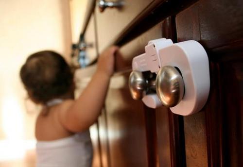 Как сделать дом безопасным для малыша? фото