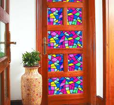 Как декорировать дверь со стеклом?  фото