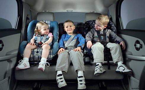 Как бороться с капризами ребенка в дороге? фото
