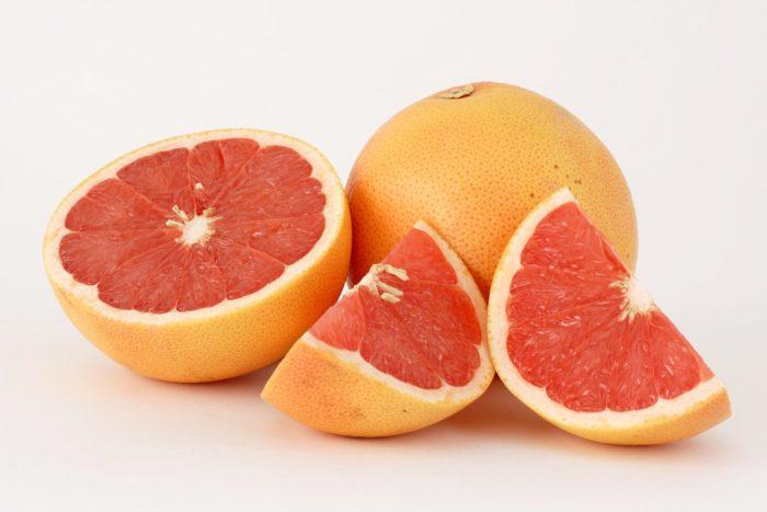 Можно ли сбросить вес, если на ночь есть грейпфрут - фото