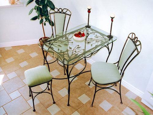 Чем примечательна кованая мебель? фото