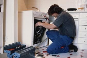 Почему услуга ремонта стиральной техники по прежнему востребована? фото