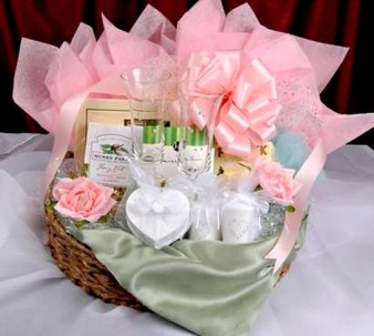 pink_wedding_gift_basket