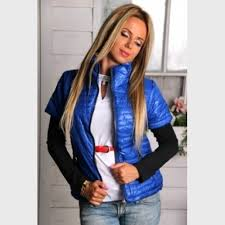 С чем носить синюю жилетку? - фото