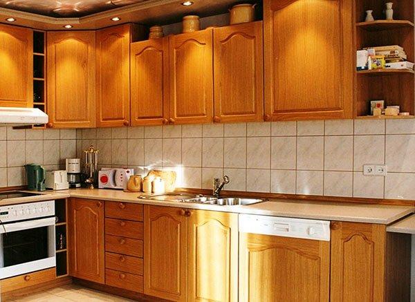 Как выбрать идеальный гарнитур для маленькой кухни? фото