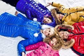 Когда выгодно покупать зимнюю одежду? фото