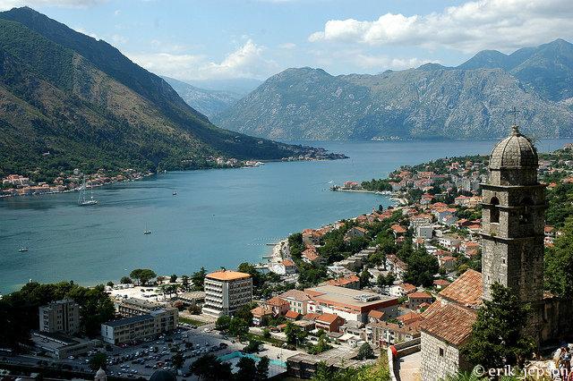 Почему стоит ехать в Черногорию? - фото