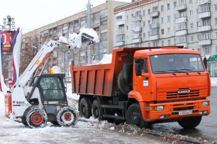 Качественный вывоз снега и цена на услуги невысокая – вот о чем мечтает каждый руководитель предприятия фото