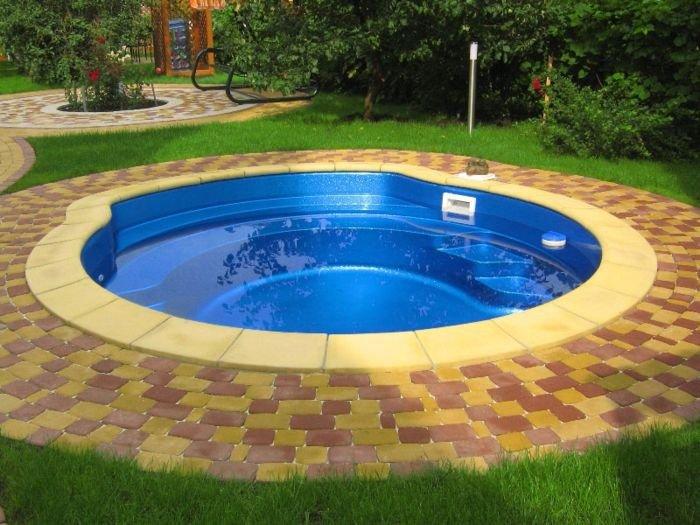 Какой бассейн построить на даче? фото
