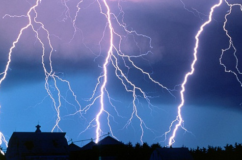 Как защититься от молнии? фото
