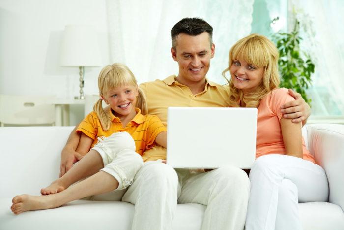 Почему смотреть фильмы онлайн удобнее? фото