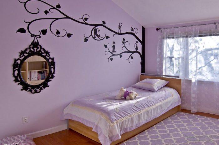 Как украсить интерьер однокомнатной квартиры стикерами? фото