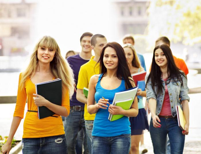 Стоит ли уезжать учиться за границу? - фото