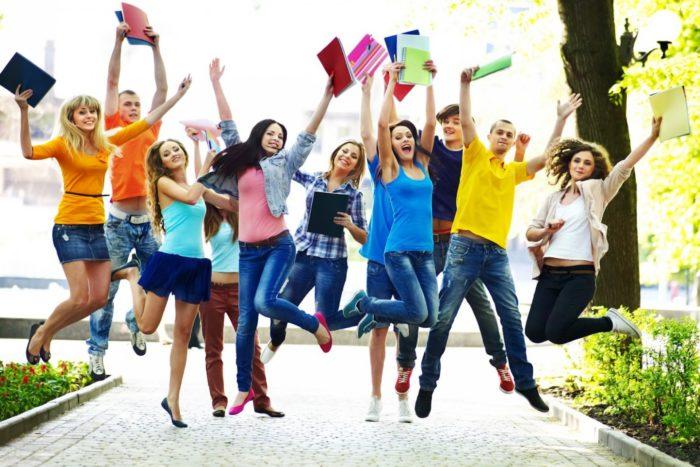 Стоит ли учиться в 10 классе? фото