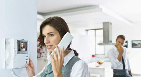 Как выбрать видеодомофон для квартиры? фото