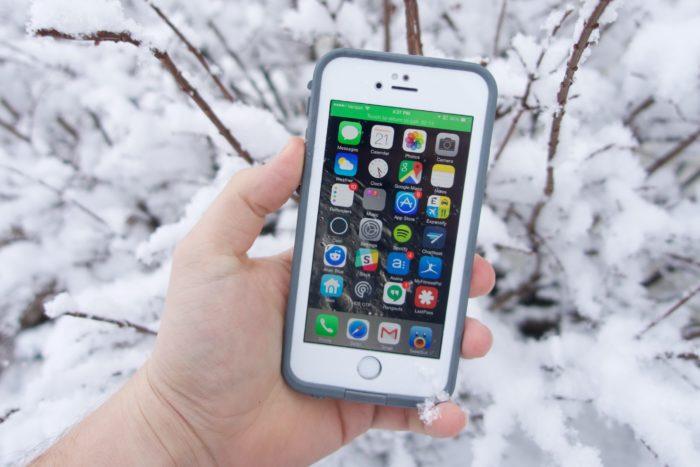 Почему iPhone 6 выключается на морозе? фото