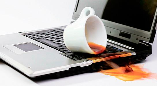Как отремонтировать ноутбук после воды? фото