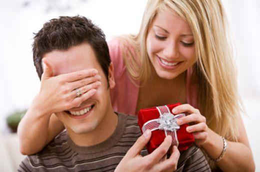 Как придумать оригинальный подарок близкому человеку? фото