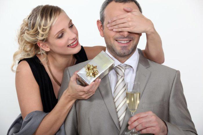 Как выбрать дорогой подарок? Когда он уместен? фото