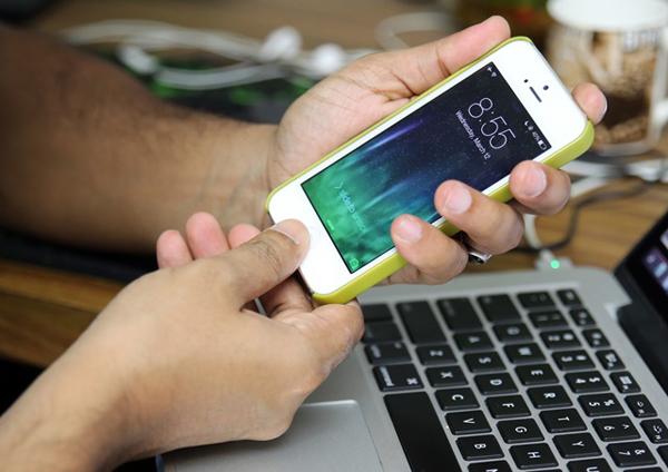 Как выключить iPhone 5 без кнопки? фото