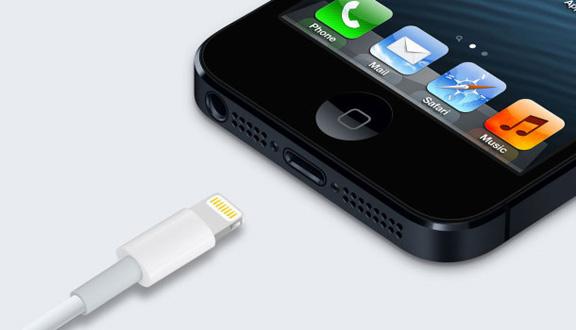 Как зарядить iPhone 5 без кабеля? фото