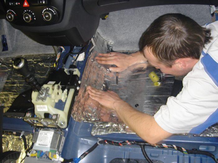 Как сделать шумоизоляцию автомобиля своими руками? фото