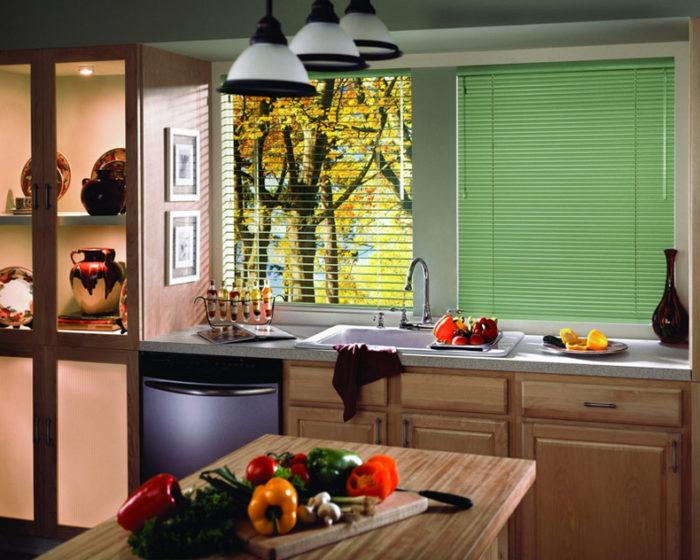 Как выбрать жалюзи для кухни? - фото