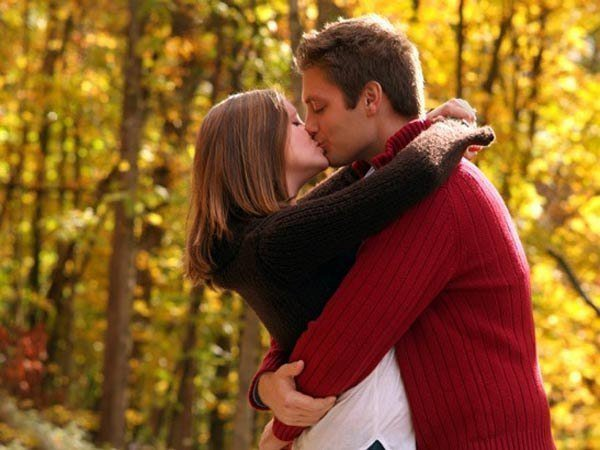 Как на первом свидании поцеловаться? - фото
