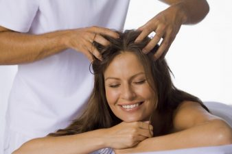 scalp-massage-900x600