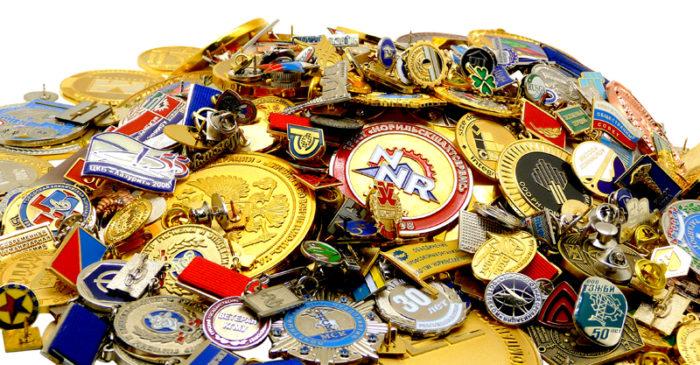 Какие существуют способы изготовления значков, медалей и орденов? - фото