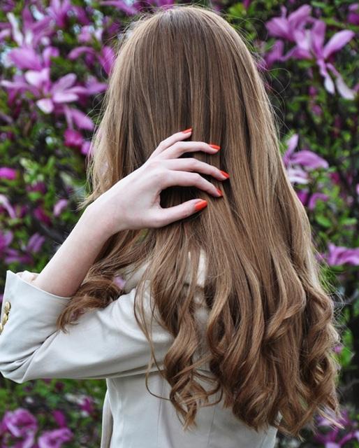 Какой массаж головы делать для роста волос? - фото
