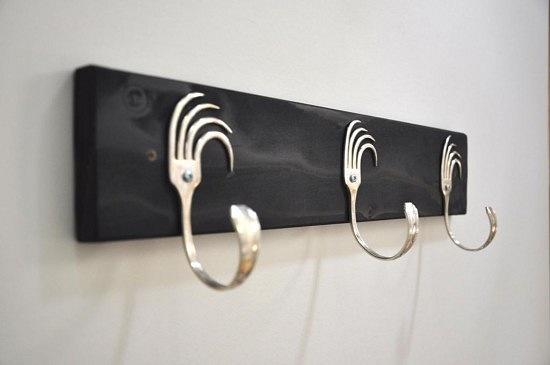 Как сделать вешалку в коридор своими руками? - фото