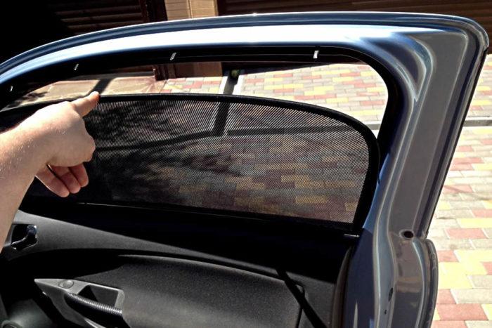 Как выбрать солнцезащитные шторки для авто? фото