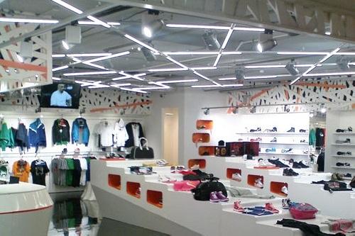 Как выбрать товары для освещения торговых центров? фото