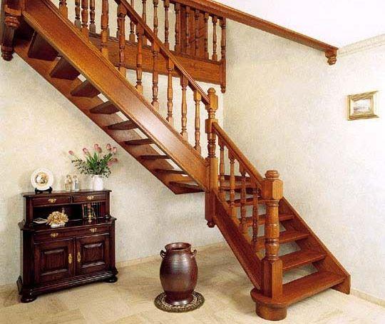 Как сделать деревянную лестницу своими руками? фото