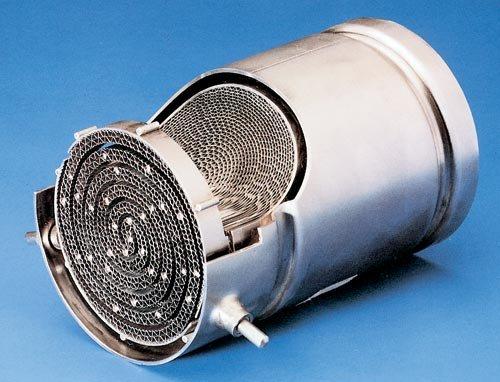 Что такое автомобильный катализатор? Для чего нужен? фото