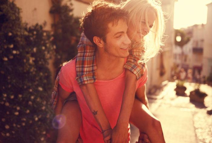 Как стать хорошей подругой для парня? - фото