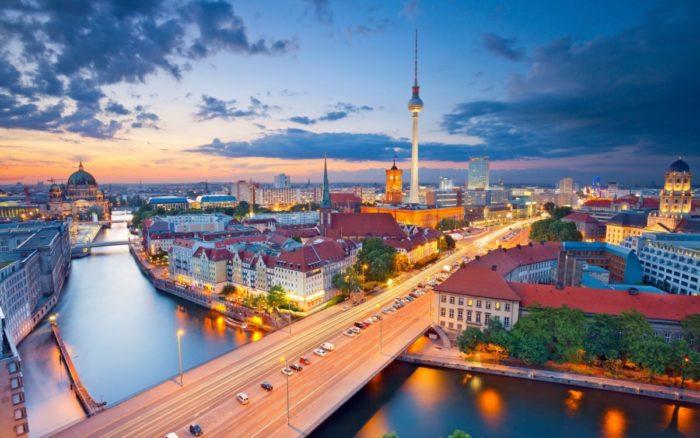 Почему стоит поехать в Берлин? фото