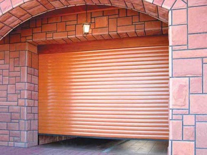 Чем хороши рулонные ворота для гаража? фото