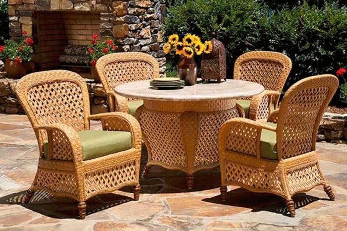 Как выбрать плетеную мебель для дачи? фото