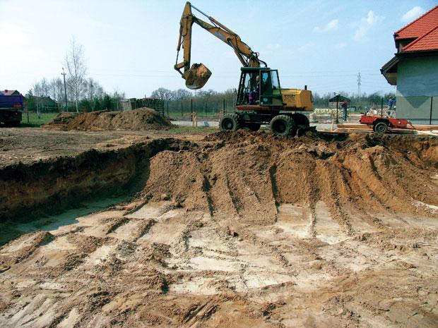 Как вырыть котлован под фундамент загородного дома? фото