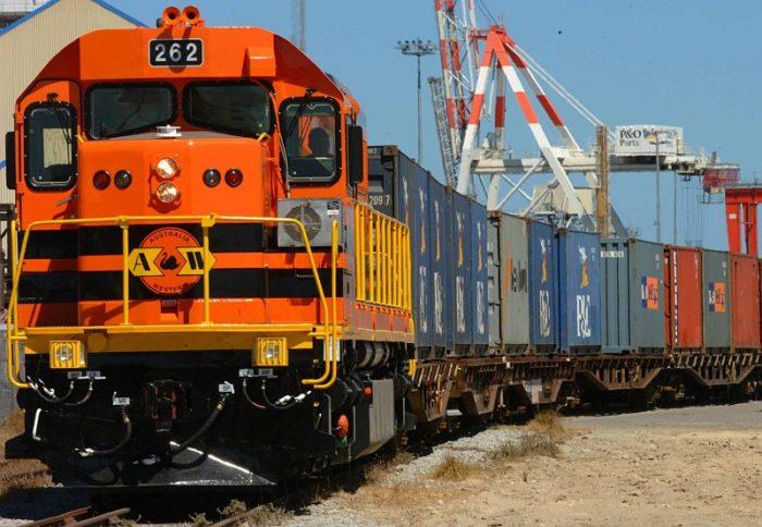 В чем преимущества и недостатки  железнодорожных грузоперевозок? фото