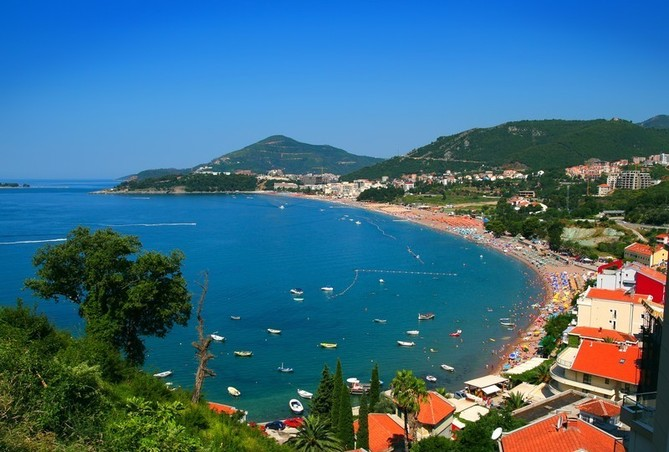 Как без проблем снять дом у моря в Черногории? фото