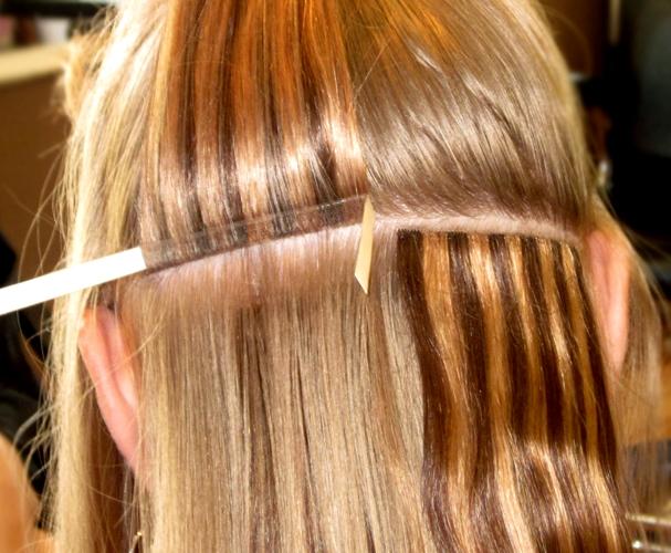 Ленточное наращивание волос фото