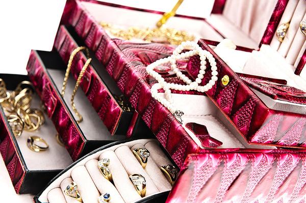 Как правильно хранить ювелирные украшения? фото