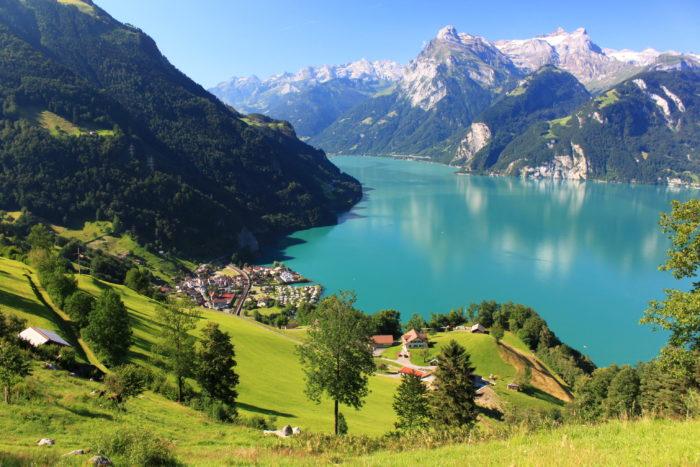 Почему стоит поехать в Швейцарию? фото