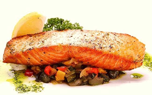 К чему снится есть рыбу женщине? - фото