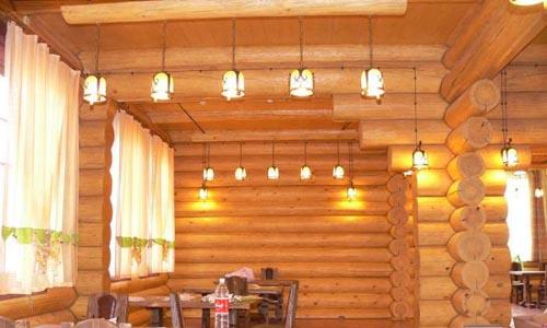 Как провести электрику в деревянном доме? фото