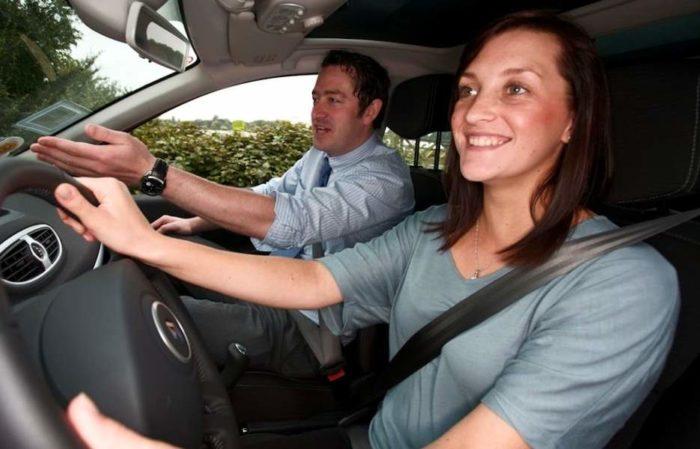 Как выбрать инструктора по вождению? фото